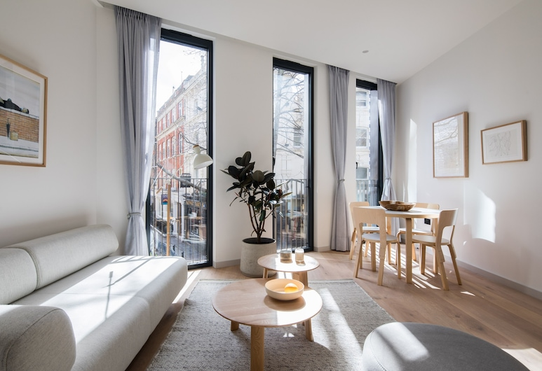 Hausd - Oxford Street, London, Luxury Suite, 2 Bedrooms, Living Area
