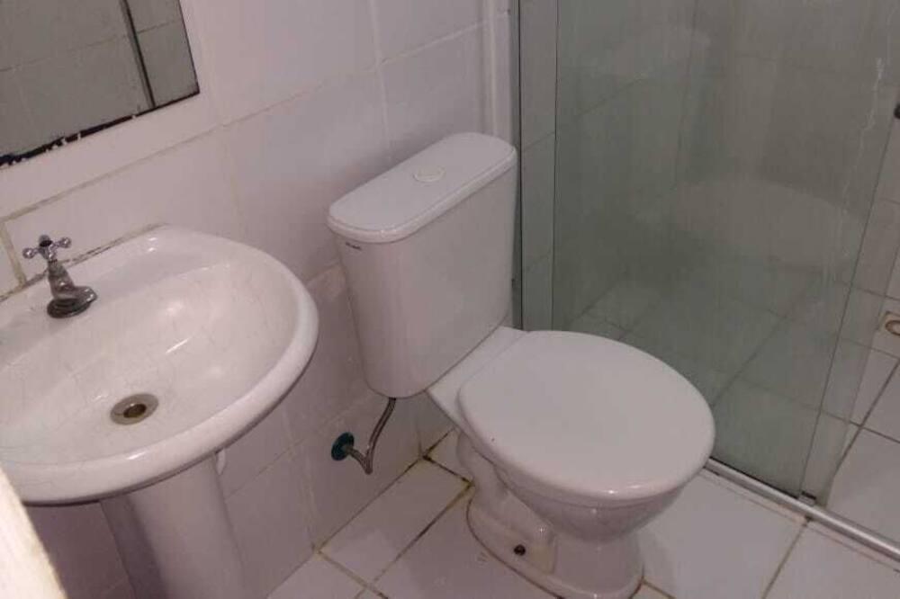 Habitación básica con 2 camas individuales - Baño