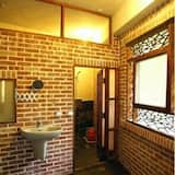 Kambarys šeimai - Vonios kambarys