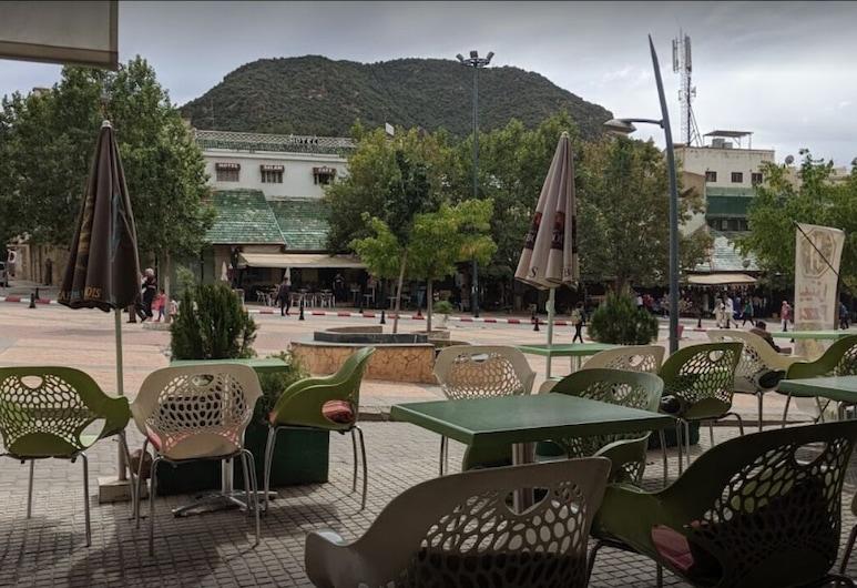 Hôtel des Cèdres, Azrou, Restaurang utomhus