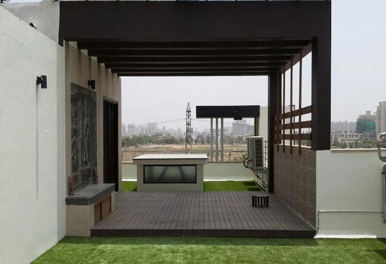 When In Gurgaon - Service Apartments, Near Medanta Medicity, Gurgaon, Terras