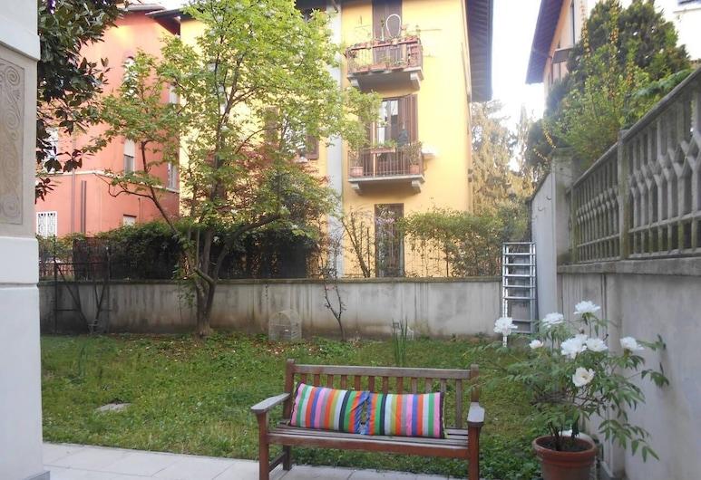 Altido Charming Villa, Milan, Garden