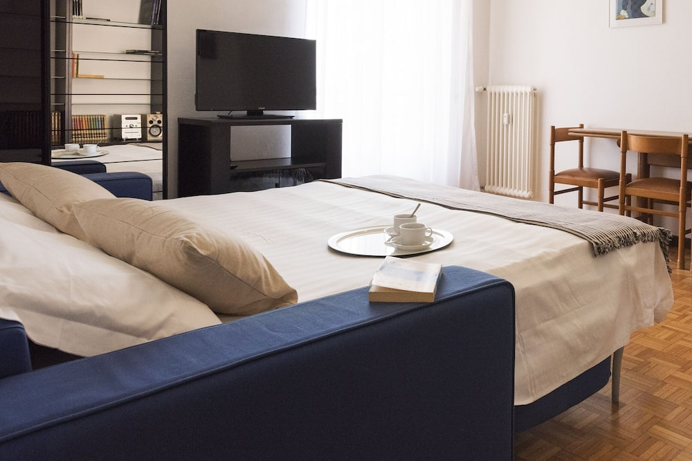 Apartment, Balcony (1 Bedroom) - Room