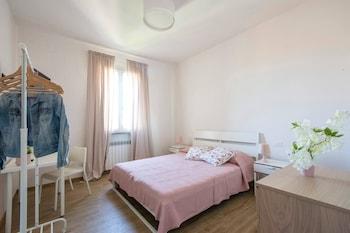 在比萨的阿尔蒂多帕姆普利欧机场粉红酒店照片