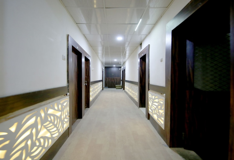 OYO 29245 Hotel E Square, Jabalpur, Lobby