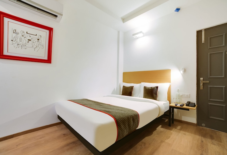 OYO Townhouse 230 Old Gurgaon Sector 14, Gurugram, Double or Twin Room, Guest Room