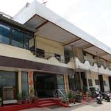 SPOT ON 44921 Hotel Satkar
