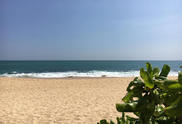 Medilla island resort, Tangalle, Beach