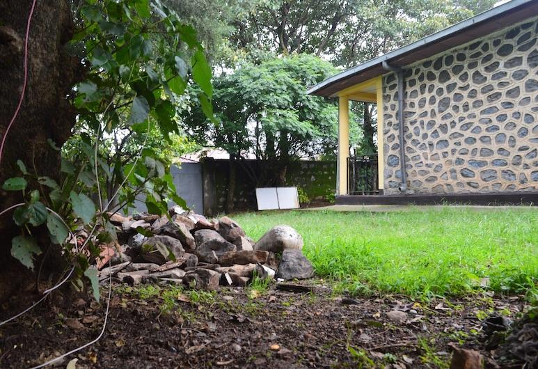 Chef Wondim Backpackers Hostel, Gondar, Garden