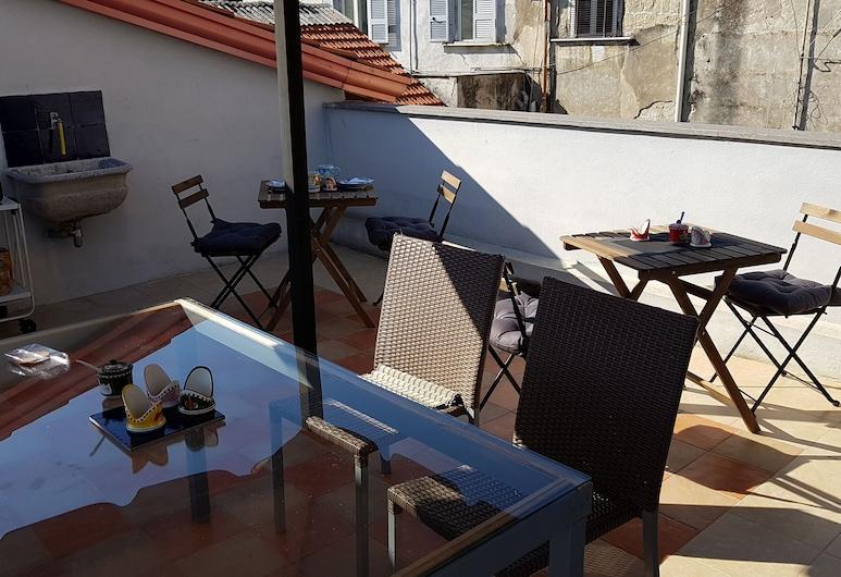 Il Miracolo B&B, Napoli, Terassi/patio