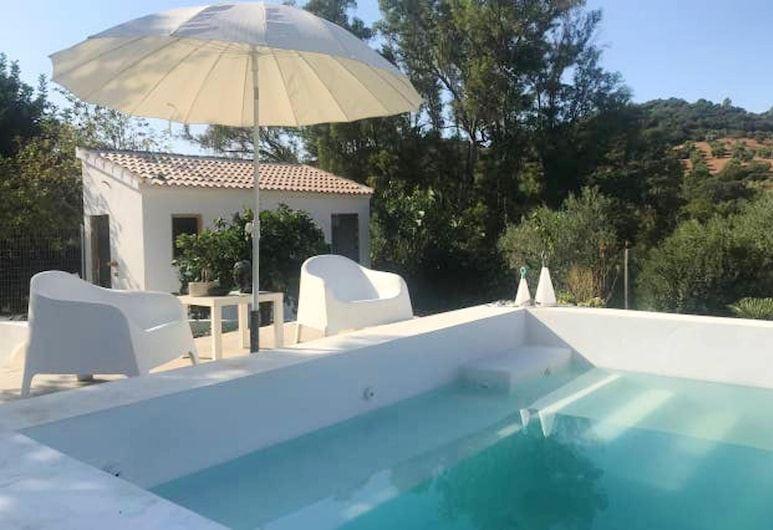 Bungalow With one Bedroom in Madrigueras, With Private Pool, Enclosed Garden and Wifi, Algodonales, Piscine