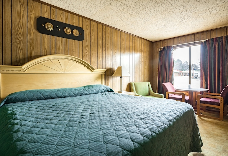OYO Hotel Holly Springs MS, Holly Springs, Room, 1 King Bed, Guest Room