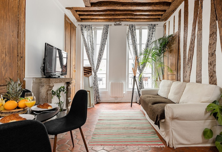 Montorgueil District Private Apartments, Paris, 1075. Tiquetonne, Living Room