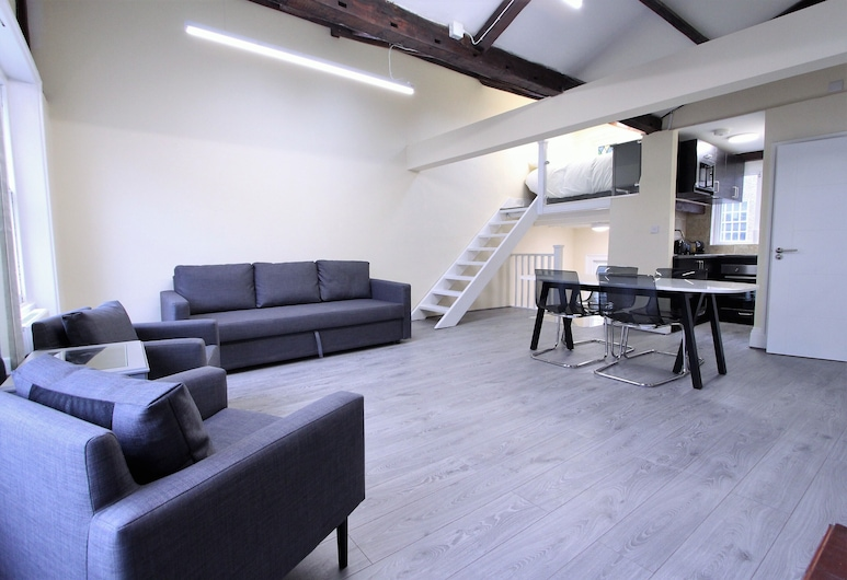 Stunning Loft Apartment In Knightsbridge, London