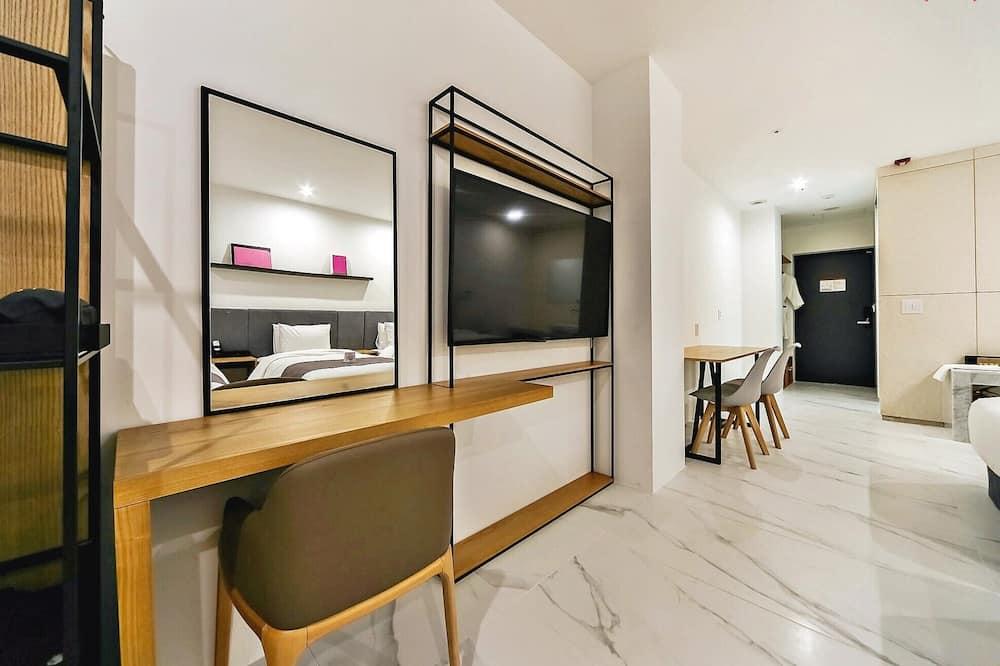 Deluxe Triple - Living Area