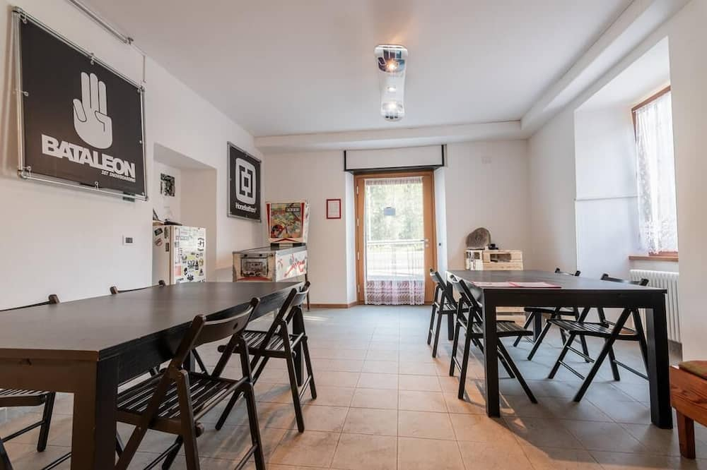 Superior Apartment, 1 Bedroom - In-Room Dining
