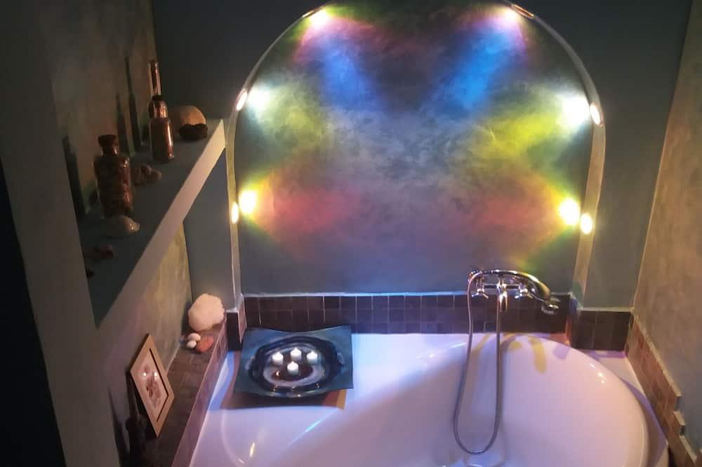 Double Room, Ground Floor - Deep Soaking Bathtub
