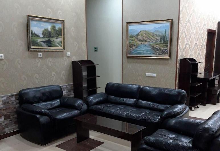 Shelter Hostel, Tashkent, Basic Twin Room, Living Area
