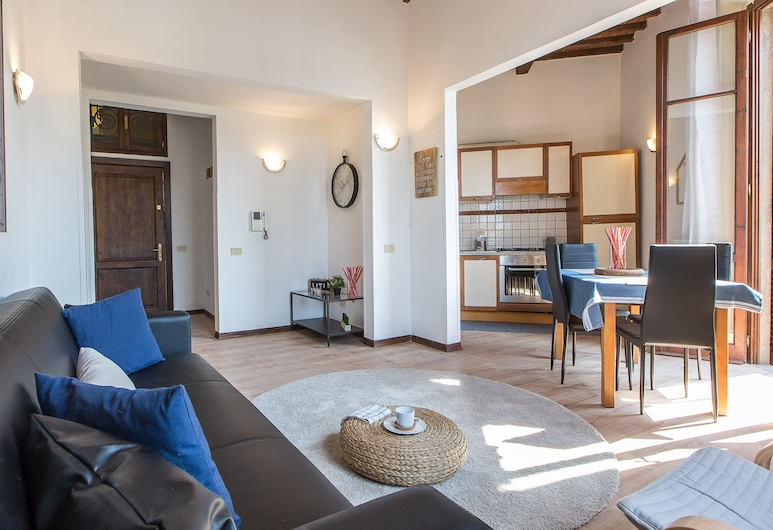 Rental In Rome Rosselli Palace Deluxe 3 Apartment, Florence