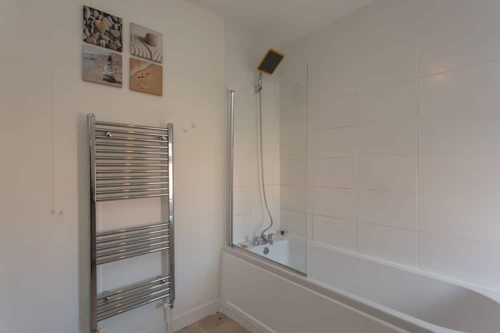 Δίκλινο Δωμάτιο (Double), Κοινόχρηστο Μπάνιο - Μπάνιο