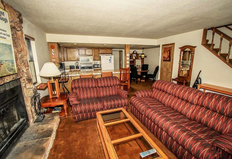 Summit Vellucci-744 by Big Bear Vacations, Big Bear Lake, Condo, 3 Bedrooms, Living Room