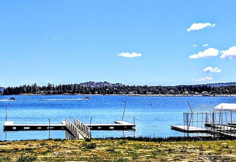 湖景 104 - 大熊假期酒店, 大熊湖, 單棟房屋, 2 間臥室, 泳池