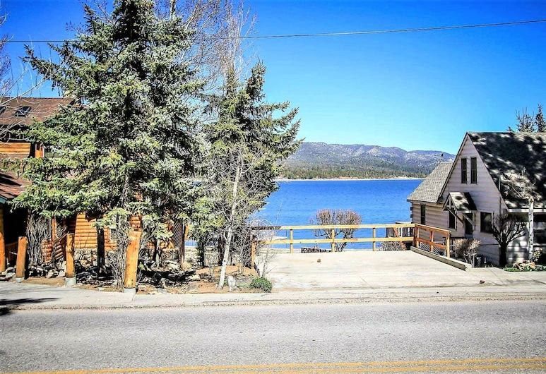 Camp Wood-422 by Big Bear Vacations, Big Bear Lake, House, 3 Bedrooms, Property Grounds