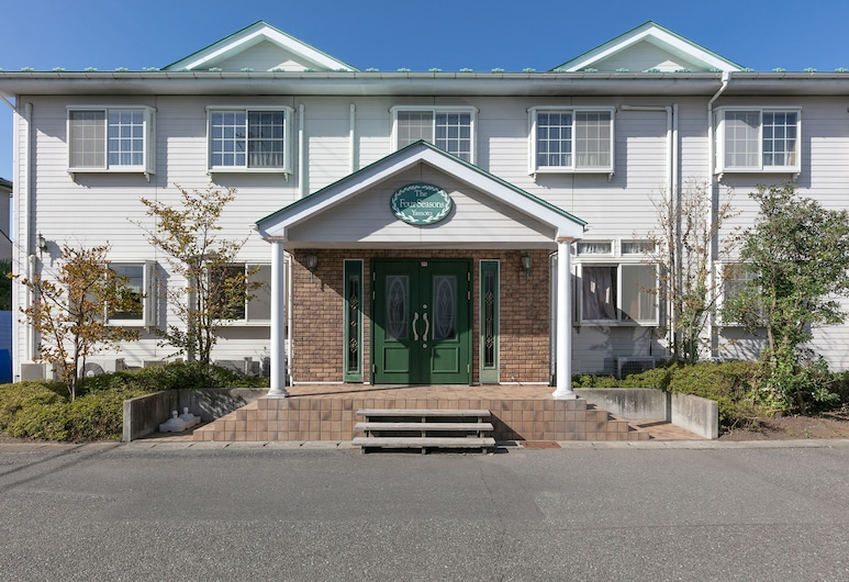 OYO Hotel Four Seasons Yamoto, Higashimatsushima, Hotel Entrance