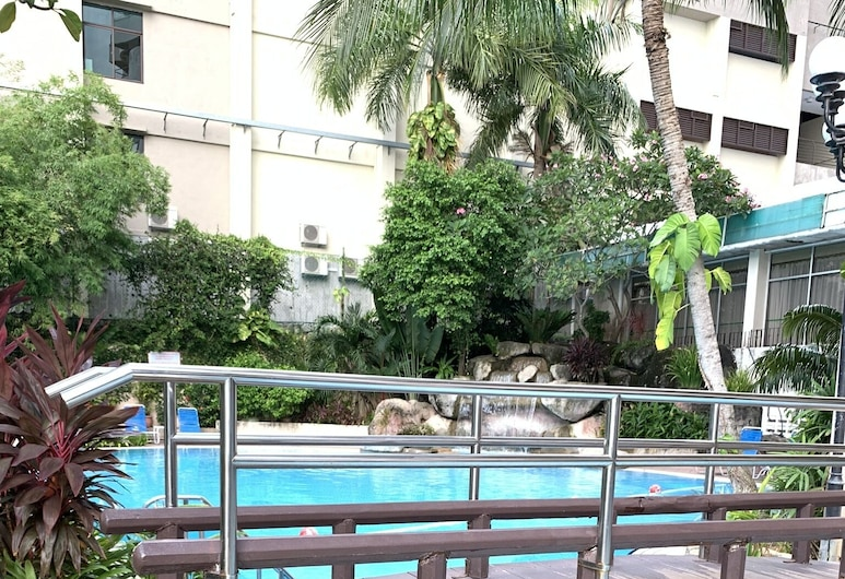 LA ClassicCo Suites, George Town, Outdoor Pool