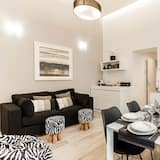 Apartment, 2 Bedrooms (Spagna 6) - Living Area