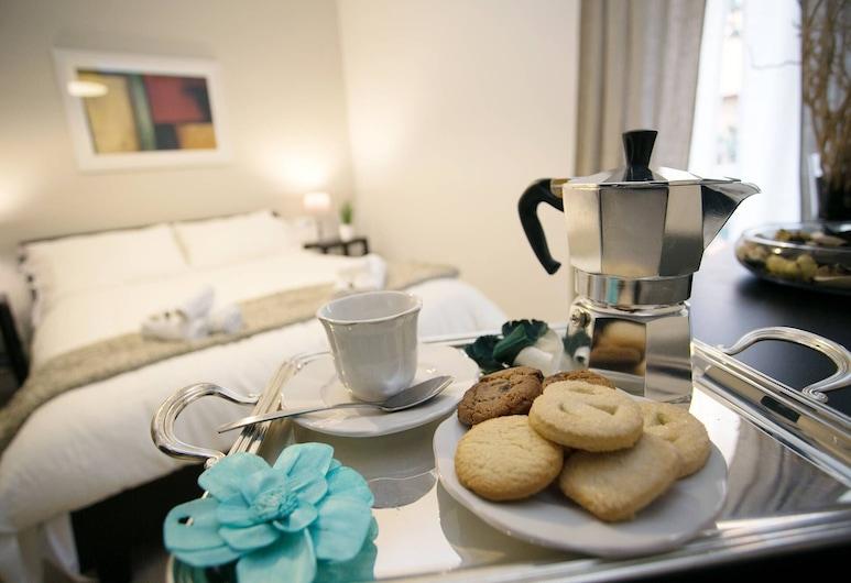 The Best in Rome Vico, Rom, Apartment, 3 Bedrooms, Bilik