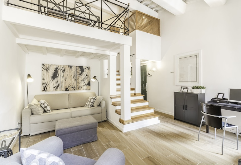 The Best in Rome Orbitelli, Rome, Living Area
