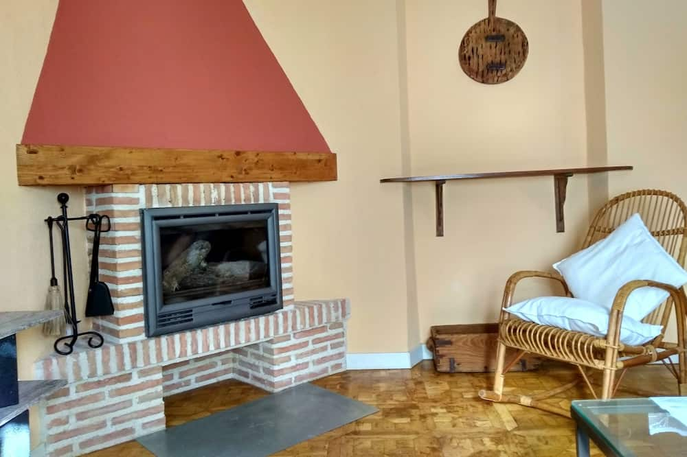 Family House, 3 Bedrooms, Balcony - Living Room