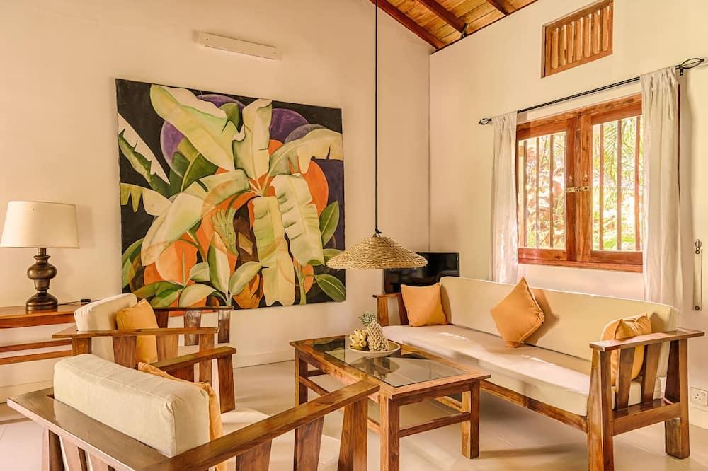 Deluxe Villa, 2 Bedrooms, Terrace, Garden View - Living Room