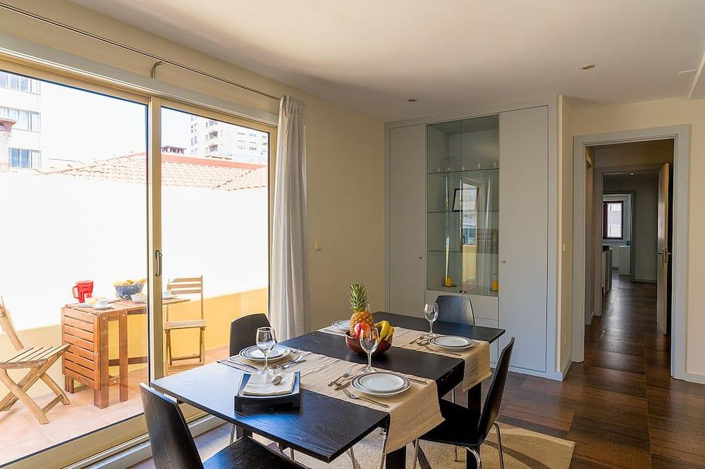 Departamento, 3 habitaciones, balcón - Servicio de comidas en la habitación