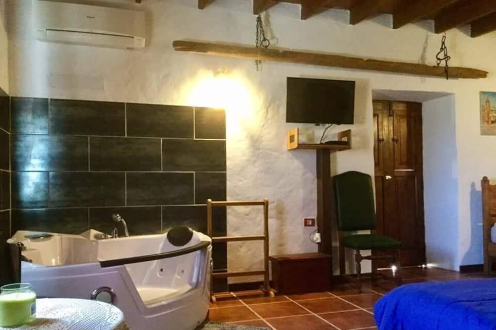 Szoba kétszemélyes ággyal, közös fürdőszoba, kerti (Carpe Diem) - Saját pezsgőfürdő