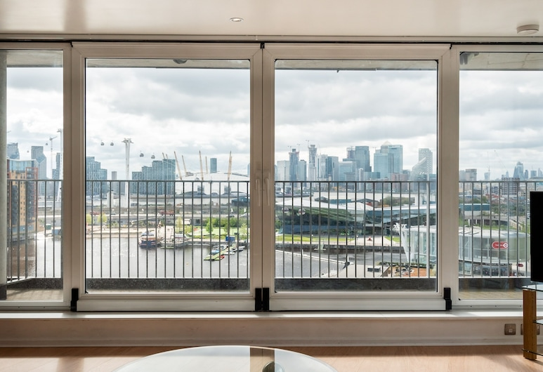 The Nest - Austin David Apartments, London, Apartment, 3 Bedrooms, Balcony View