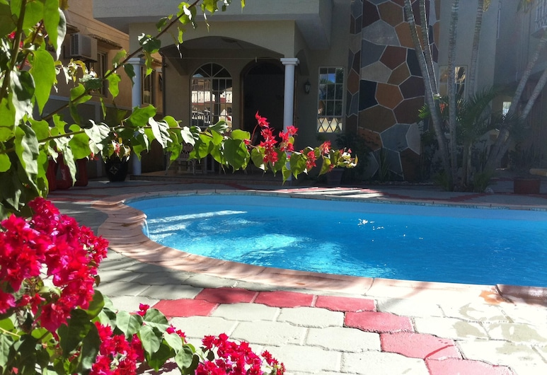 Apartment With 2 Bedrooms in Trou aux Biches, With Shared Pool, Enclosed Garden and Wifi, Trou aux Biches