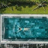 สระว่ายน้ำ