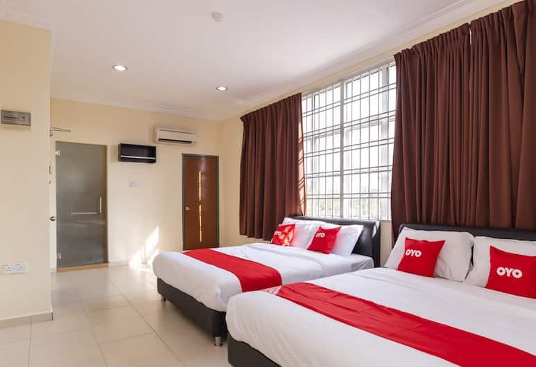 OYO 89536 Hazris Hotel, Batu Pahat, Family Suite, Guest Room