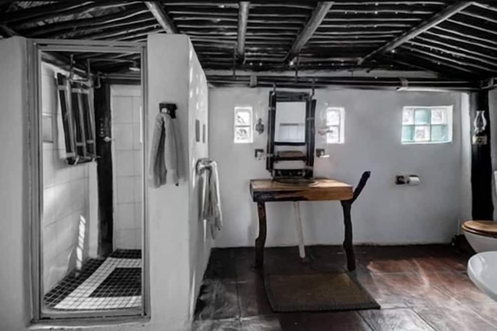 Палатка «люкс» (Semi Tented Thatched Chalet Single (3) - Ванная комната