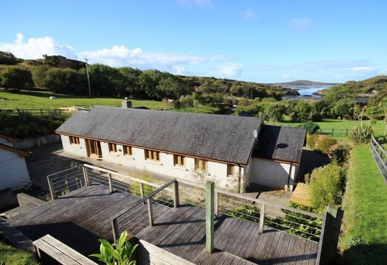 Atlantic View Lodge, Clifden, Property Grounds