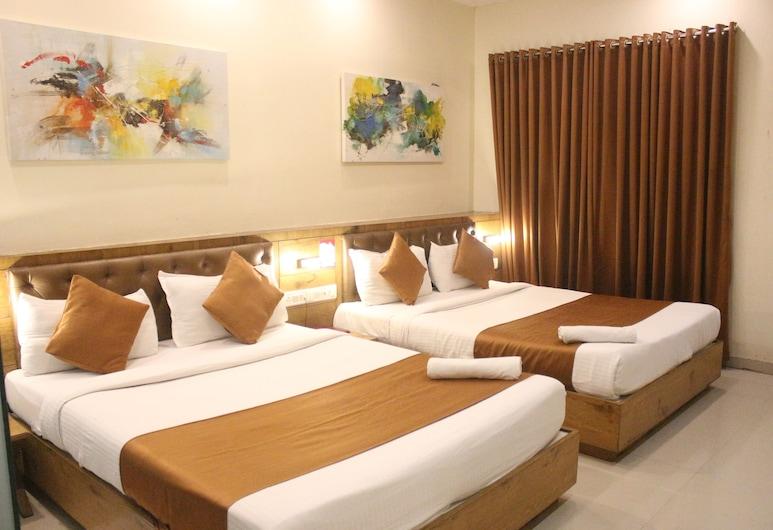 Hotel Grandeur, Mumbai, Luxury Quadruple Room, Guest Room