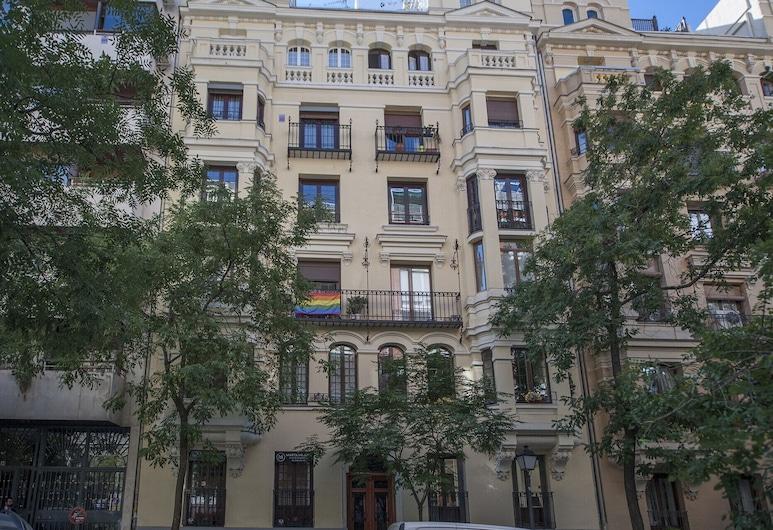 Chamberi Deluxe I, Madryt, Front obiektu