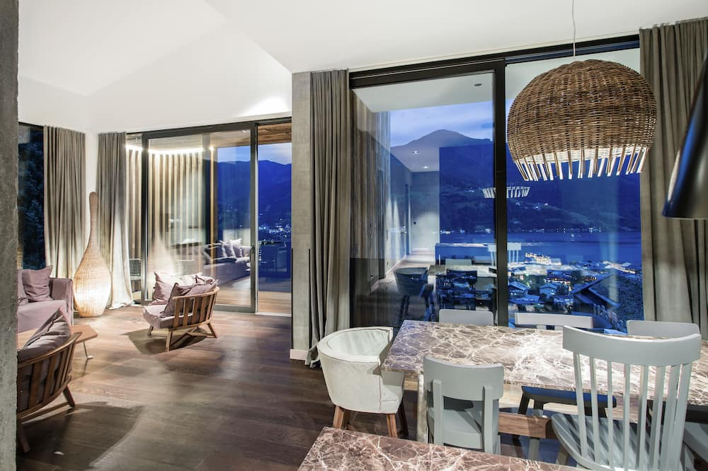Design Penthouse, 3 Bedrooms, Terrace, Lake View - Living Area