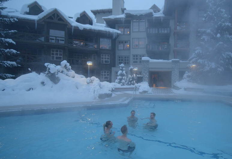 Blackcomb Springs Suites by CLIQUE, Whistler, Outdoor Pool