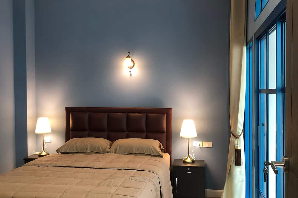 Standard Double Room with Shared bathroom - Guest Room
