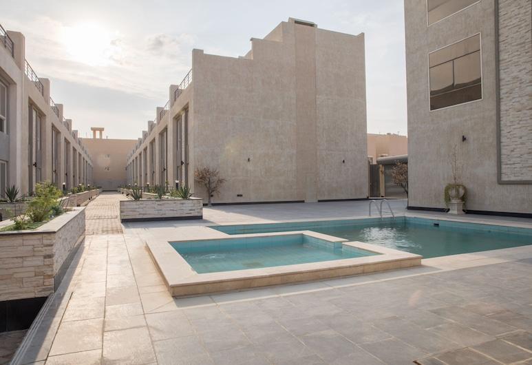 Nozol AlMaha Compound, Riyadh
