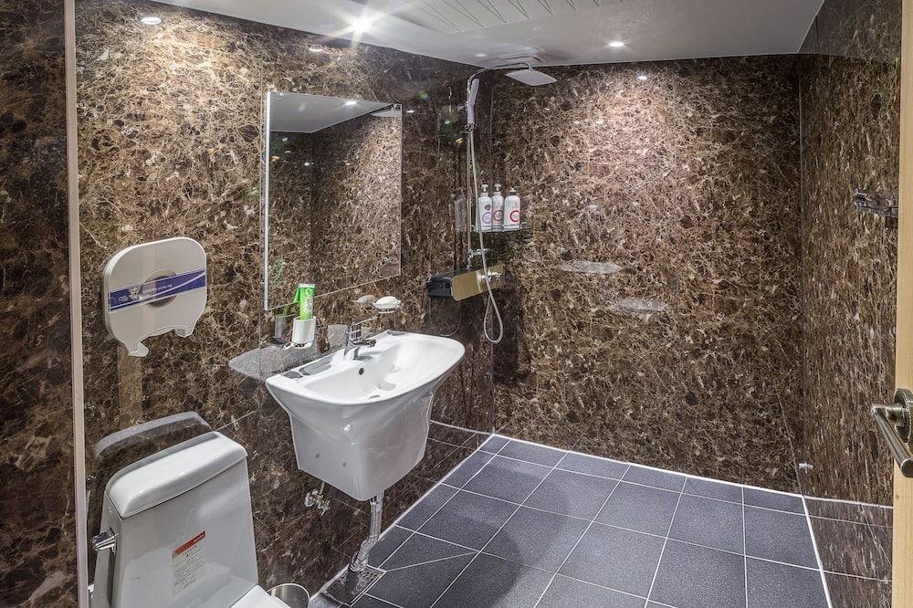 Номер «Премьер» (9 PM Check-in on Sat/Sun) - Ванная комната