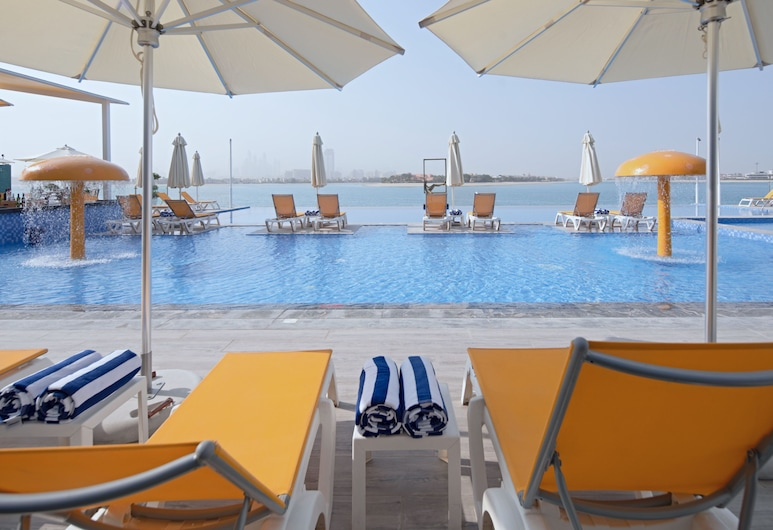 C Central Resort the Palm, Dubai, Sundeck